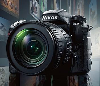 NikonD500。フルサイズセンサーでは無くてAPS -Cですけどそれのほうが使い勝手がいい場合が多々ある。