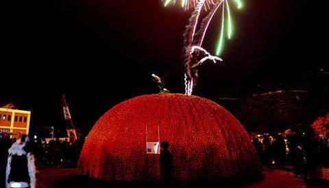 クリスマスオレンジ 明日は八幡浜で冬の屋台と冬の花火がやってくる!